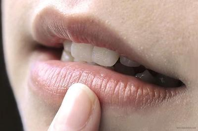 [FORUM] Kenapa sih kalau bibir hitam suka susah memilih warna lipstik yang cocok?