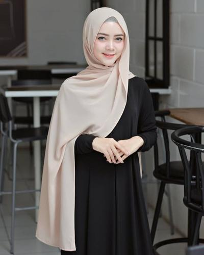 Inspirasi Pashmina Hijab Sederhana Namun Tetap Stylish untuk Anak Kuliahan