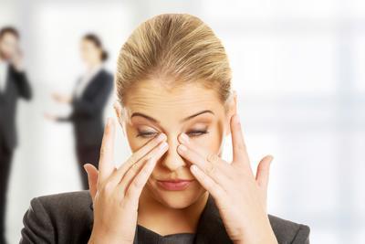 [FORUM] Pernah ada yang mengalami mata iritasi karena pakai makeup?