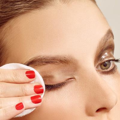 Ternyata, 3 Kesalahan Makeup Ini Bisa Membuat Bulu Mata Kamu Rontok, Lho!