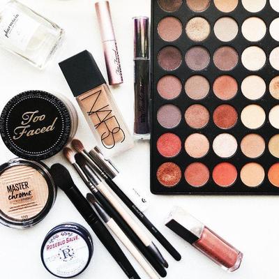 [FORUM] Makeup yang pengen banget kalian coba apasih?