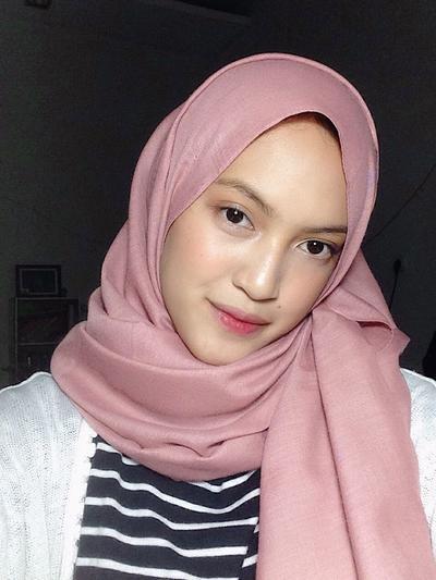 [FORUM] Lebih sering makeupan atau gak saat ke kampus atau kantor?