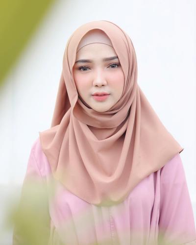 [FORUM] Bahan hijab apa yang menurut kamu paling mudah diatur dan dibentuk?