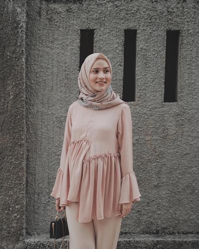 [FORUM] Atasan model seperti apa yang lagi IN di kalangan hijabers?
