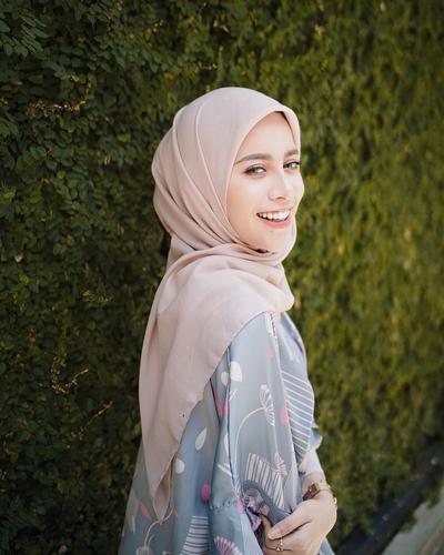 [FORUM] Menurut kamu, apakah warna hijab mempengaruhi bikin wajah jadi cerah atau kusam?
