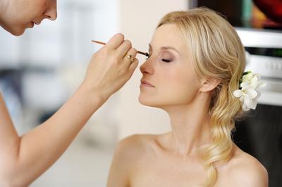 Daripada Menyesal di Kemudian Hari, Inilah 6 Hal yang Perlu Dipastikan Saat Tes Make Up Pengantin!