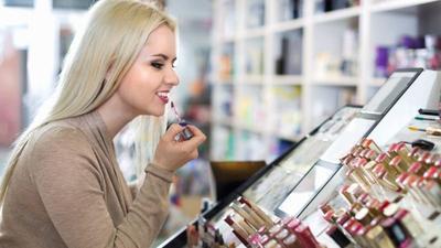 [FORUM] Berapa persen kamu percaya dengan saran mbak mbak SPG di counter makeup?