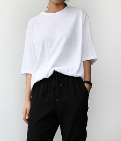Lengan Besar Bukan Masalah, Ini Dia Beberapa Inspirasi Outfit untuk Kamu