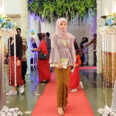[FORUM] Bahan hijab apa yang cocok dipakai kondangan?