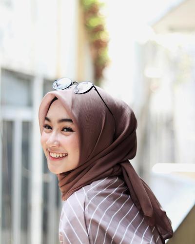 [FORUM] Online shop apa yang kamu kunjungi saat cari hijab polos?