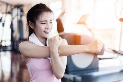 Sering Disepelekan, Padahal 4 Hal Ini Wajib Kamu Lakukan Sebelum Olahraga!