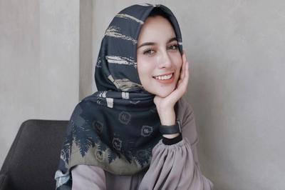 [FORUM] Kalau pakai hijab segiempat, lebih suka diikat ke belakang atau ditaro di bahu aja?
