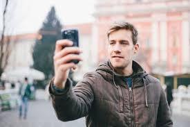 [FORUM] Pendapat kamu tentang cowok yang suka selfie gimana?