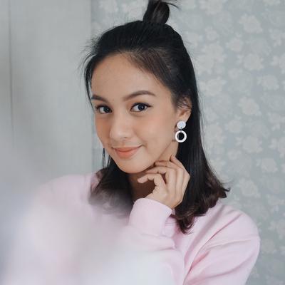 [FORUM] Tampilan cantik yang wajar di sekolah, biasanya makeup apa aja yang dipakai?