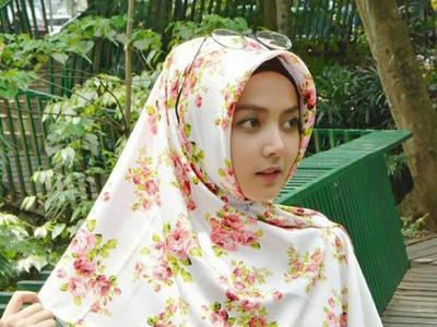 6 Jenis Kain Ini Paling Banyak Digemari Sebagai Bahan Hijab