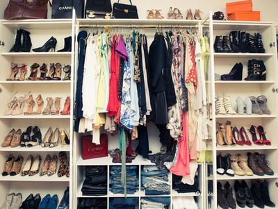 [FORUM] Lemari kamu lebih dominan dengan warna pakaian apa saja?