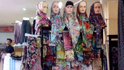 [FORUM] Lebih suka beli hijab langsung atau online?
