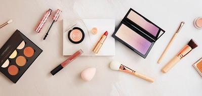 [FORUM] Produk Make-Up Apa yang Sering 'Sharing' Bareng Temen?