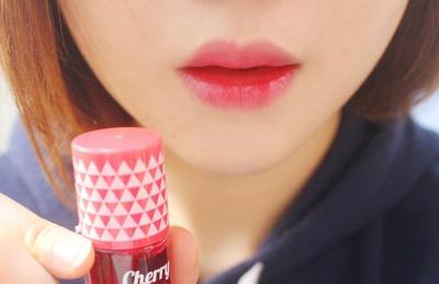 [FORUM] Cara Pake Lip Tint Biar Ngga Beleber ke Gigi