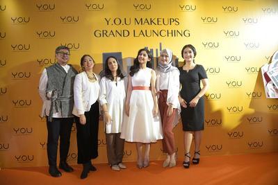 Gak Perlu Takut Makeup Luntur, Sekarang Ada Brand Makeup Lokal yang Bisa Awet Seharian!