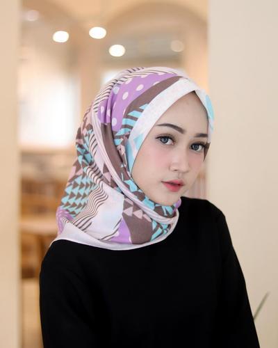 [FORUM] Mendingan pakai hijab instant atau masih pakai yang segiempat?