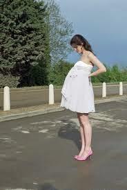[FORUM] Lagi hamil, gak boleh pakai high heels ya?