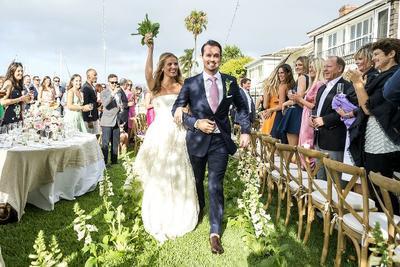 7 Hal yang Harus Kamu Hindari Saat Datang ke Resepsi Pernikahan