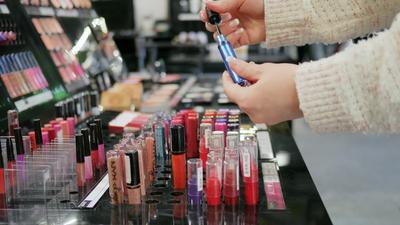 [FORUM] Pernah kesal sama mbak-mbak SPG makeup?