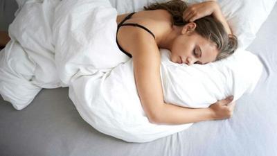 [FORUM] Kalian tim tidur harus ada guling atau nggak?