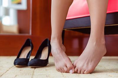 [FORUM] Kok telapak kaki aku suka berkeringat ya kalau pakai flatshoes, ada yang tahu?