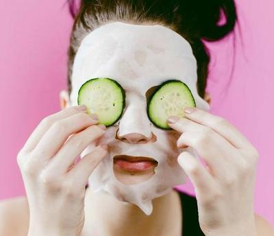 Begini Cara Membuat Sheet Mask Sendiri di Rumah, Gampang Banget Ladies!