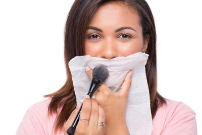 Yuk, Intip Tips Membuat Lipstik Glossy Kamu Menjadi Matte Seketika!