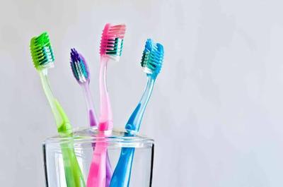 [FORUM] Sikat gigi ku lembut tapi enggak bersih di mulut.