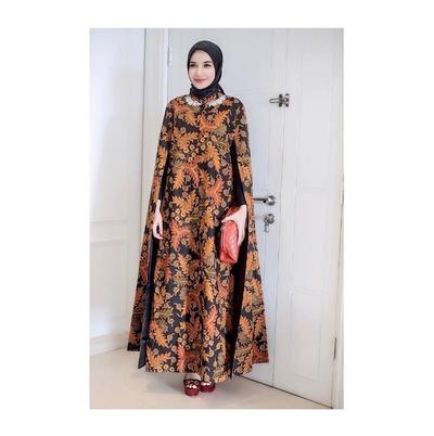 Zaskia Sungkar - Gamis Model Cape Dress