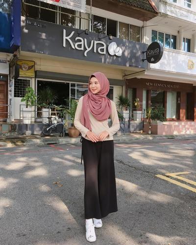 Hijab Style Dengan Kulot
