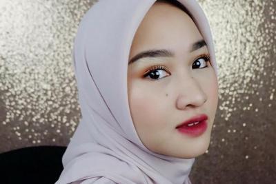 Dari Natural Hingga Bold Makeup, Ini Tutorial Make Up Wardah untuk Pemula
