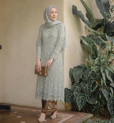 Model Baju Kebaya Brokat