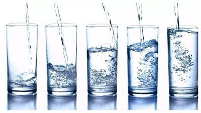 [FORUM] Kalian minum air sehari berapa kali?