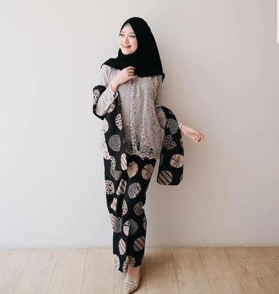 Brokat Kombinasi Batik