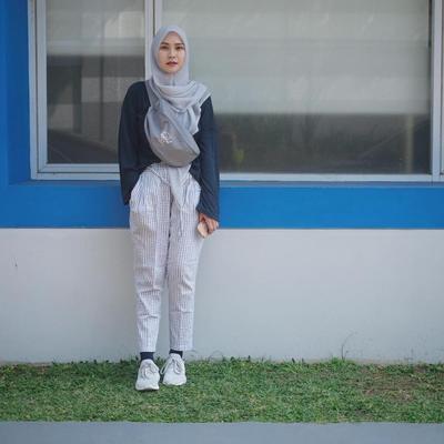 Tutorial Hijab Segi Empat Syar'i