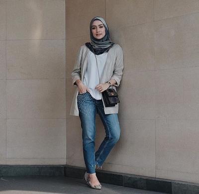 Beberapa Inspirasi Style Hijab Casual Simple Paling Hits untuk Dipakai ke Kampus