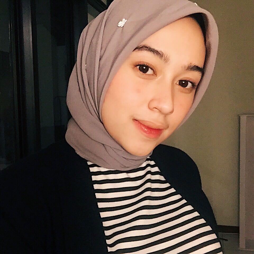 Tutorial Hijab Satin Segi Empat Untuk Wajah Bulat Hijabfest