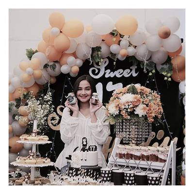 Ini Dia 3 Rekomendasi Kue Ulang Tahun yang Cocok untuk Acara Sweet 17 Kamu!