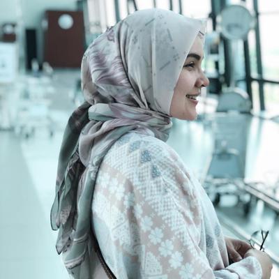 Ria Miranda Hijab