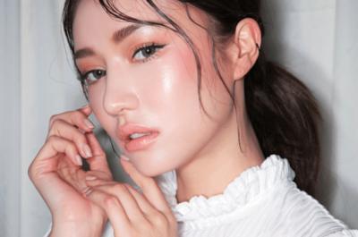 Gak Perlu Panik, Trik Ini Ampuh Bikin Makeup Awet Saat Kamu Berkeringat