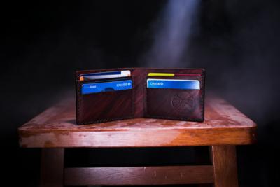 2. Batasi Kartu Kredit Kamu