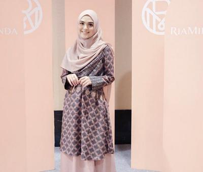 Tampil Cantik dengan Model Hijab Wisuda Syar'i, Kenapa Tidak?