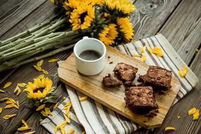 Praktis Banget! Ini Dia Cara Membuat Brownies Kukus Ala Rumahan Tanpa Mixer