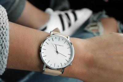 Ini Dia Deretan Merk Jam Tangan yang Lagi Hits Digunakan Banyak Wanita Kekinian