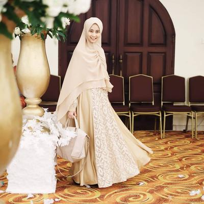 Tips Tampil Cantik di Berbagai Acara dengan Model Jilbab Syari Ini